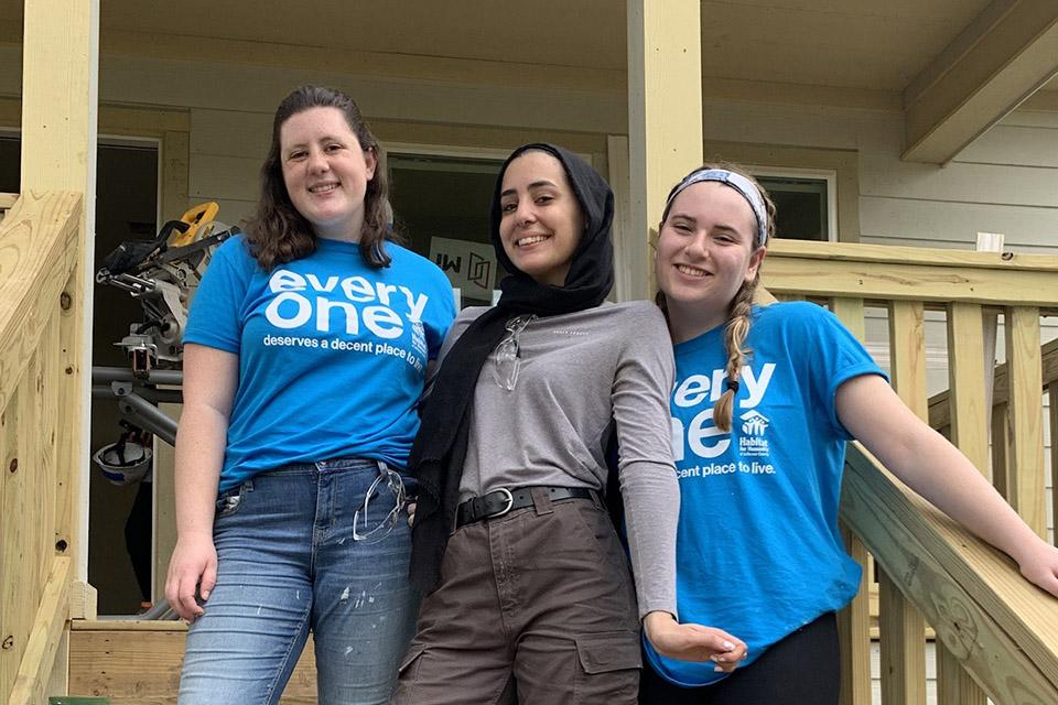 Alternative Spring Break Leaders: Molly Blackwell '20, Sabrina Khalif '21 & Kat Reidl '20